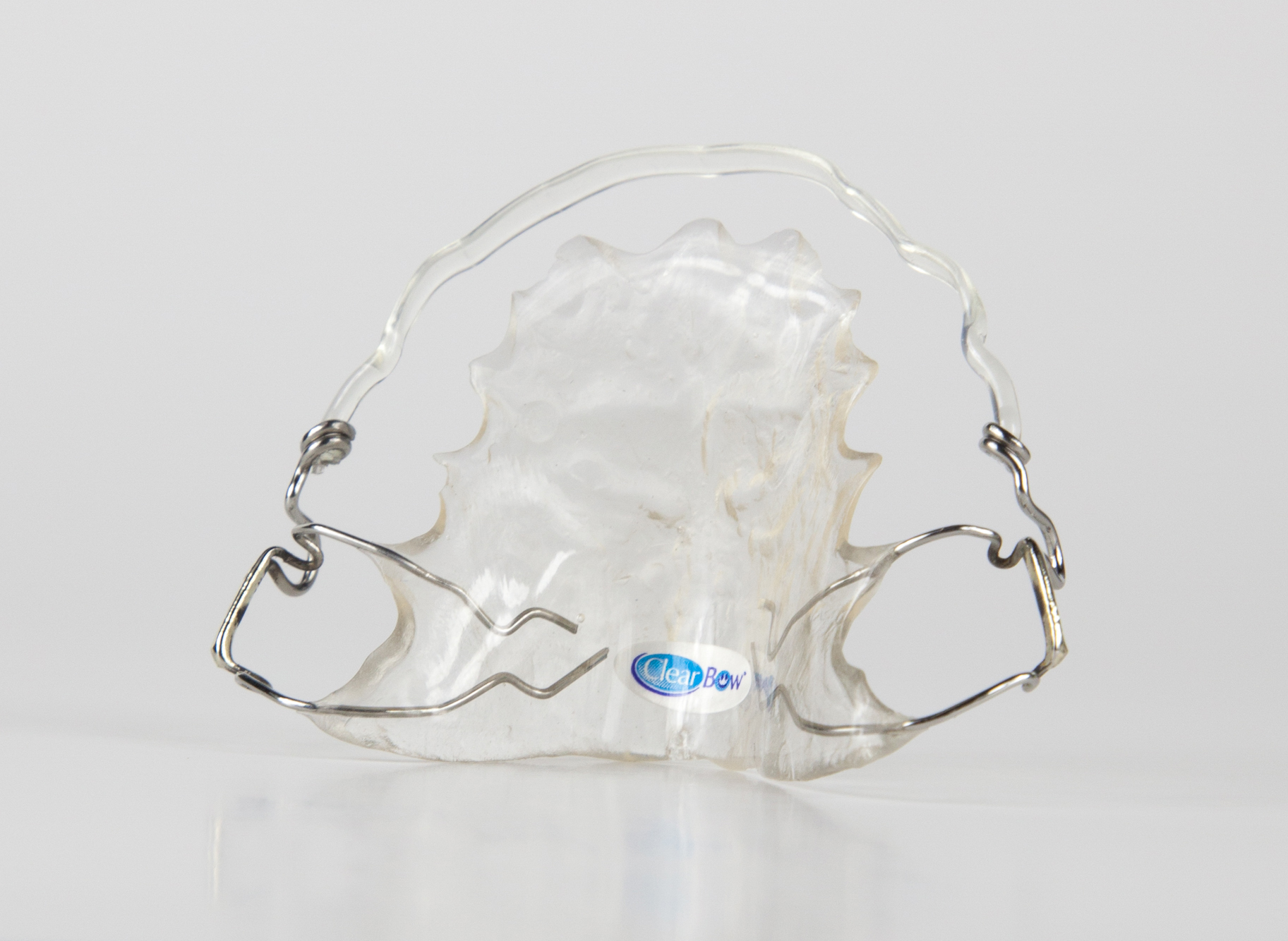 hawley-retainer-with-clearbow-labial-wire